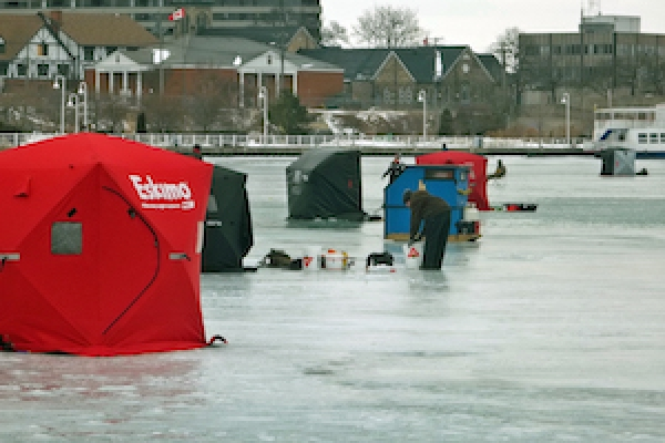 2018-ice-fishing-derby11FCF0CDD2-04BB-36C3-B7FE-FB6AFFF33B13.jpg